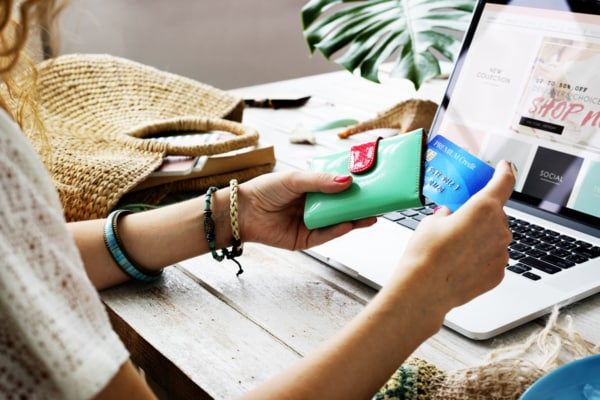 The Changing Face of Australian Retailers and the Online Shopping Revolution